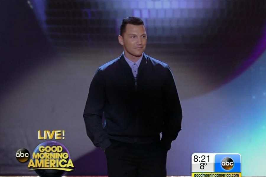 """Former NHL star Sean Avery is the first hockey player in 'Dancing' history.Avery was known as his team's """"enforcer"""" and for his unpredictable on-ice antics.Pro Partner: Karina Smirnoff"""