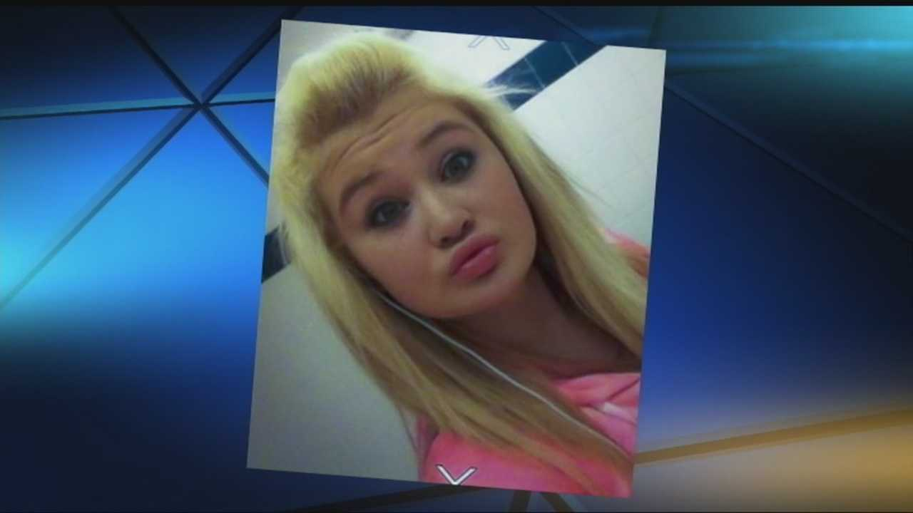 Edmond police are looking for a 14-year-old girl who left with men suspected of assaulting her grandfather.