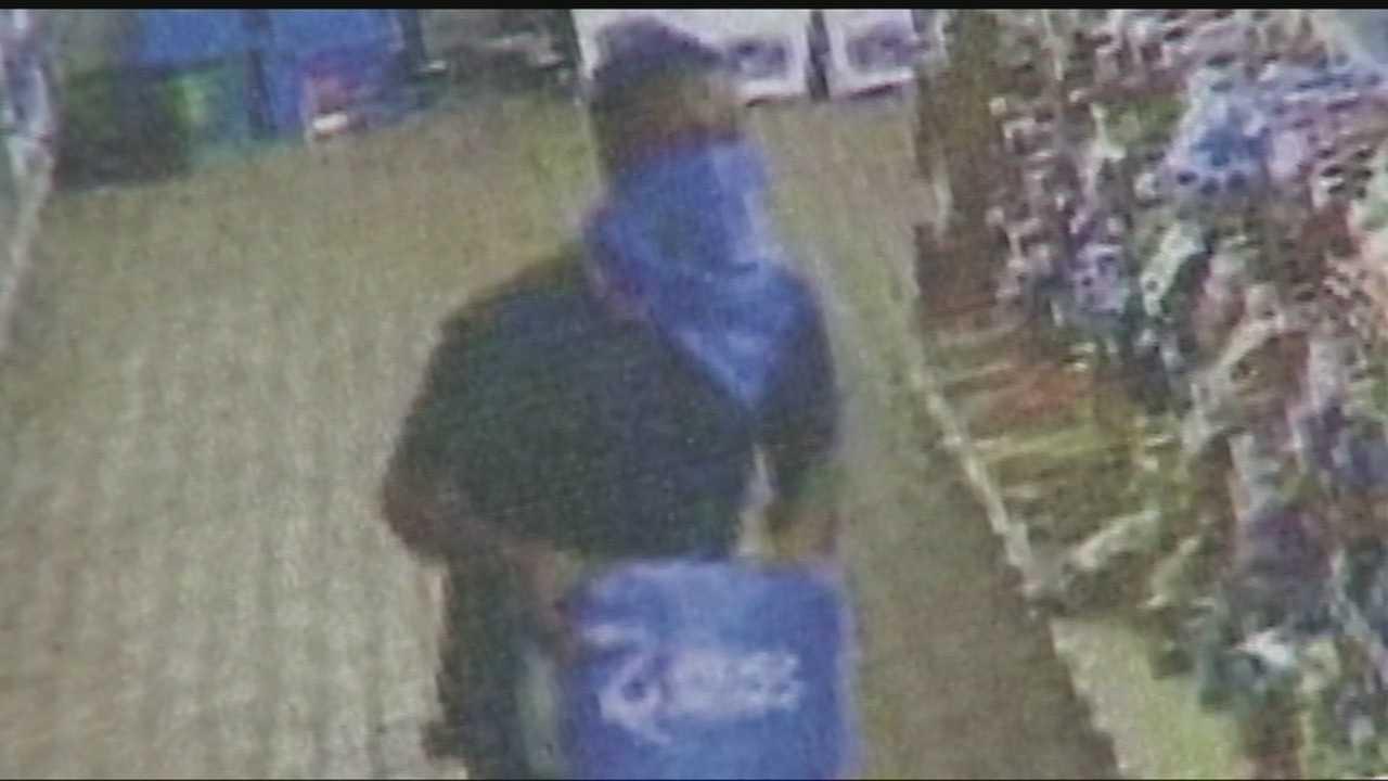 Selfie taking bandits rob Shawnee stores
