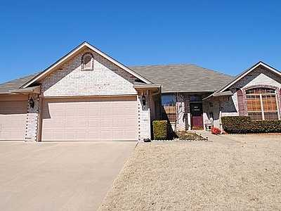 For $199,900 you can get this 2,208 sq foot home in Midwest City. That's $90 a sq foot. It has 4 bedrooms, 2 bathrooms and was built in 1999.