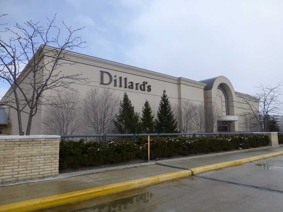 6. Dillard's -- Rating: 2.3, Number of reviews: 913, CEO approval rating: 24% (Bill Dillard II), Employees: 40,000, Industry: Department storesFounded in 1938, Dillard's Inc. (DDS) is currently among the largest clothing and home furnishings retailers in the nation. The company owned and operated nearly 300 stores nationwide as of the beginning of this year, and employed roughly 40,000 workers, just less than half of which were part-time workers. Like many other entry-level retail positions, sales jobs at Dillard's tend to involve penalties for unmet sales goals. While these pay structures offer higher wages for high achievers, employees reported poor job security and unreliable work schedules.