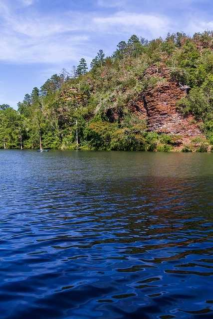 Beavers Bend is located in McCurtain County, about 10 miles north of Broken Bow. Visitors can eagle watch, go trout fishing, fly-fishing clinics, guided horseback rides or go through hayrides throughout the park.