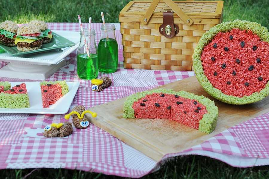 Watermelon Rice Krispies: Click for the recipe
