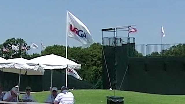 Golf fans, volunteers battle heat at practice round of U.S. Senior Open