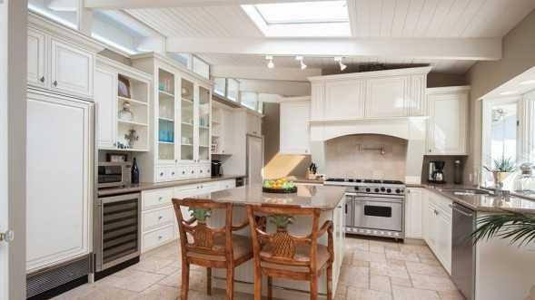 Photos Garth Brooks Trisha Yearwood S Malibu Home For Sale