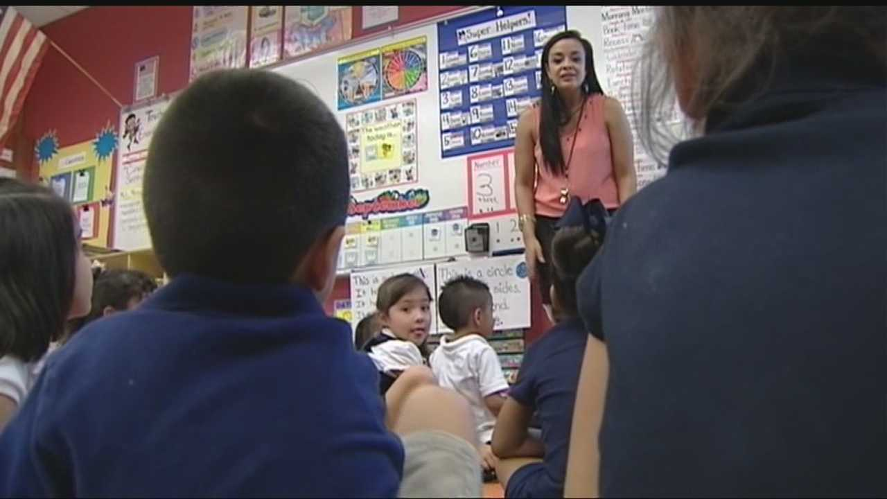 An Oklahoma City elementary school is now teaching students in two languages.