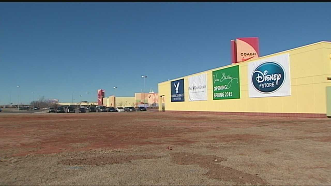 An Oklahoma City outlet mall will be getting a new restaurant and three more unnamed stores.
