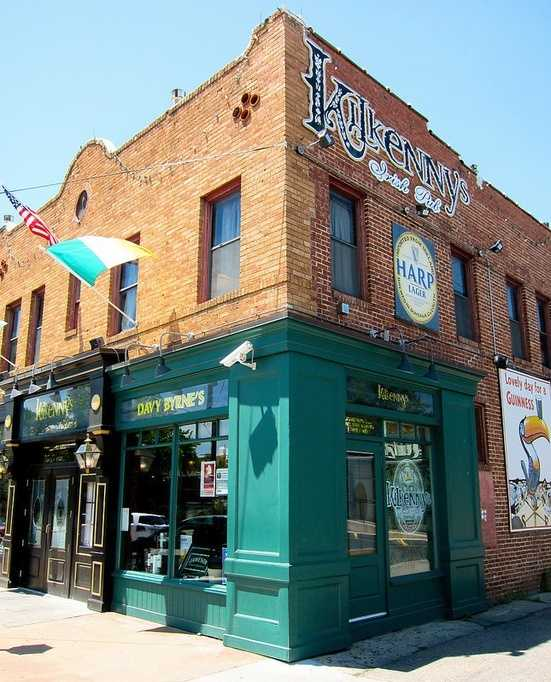 Kilkenny's Irish Pub on Cherry Street in Tulsa has delicious Irish dinners and beverages. Photo from Flickr by ercwttmn.