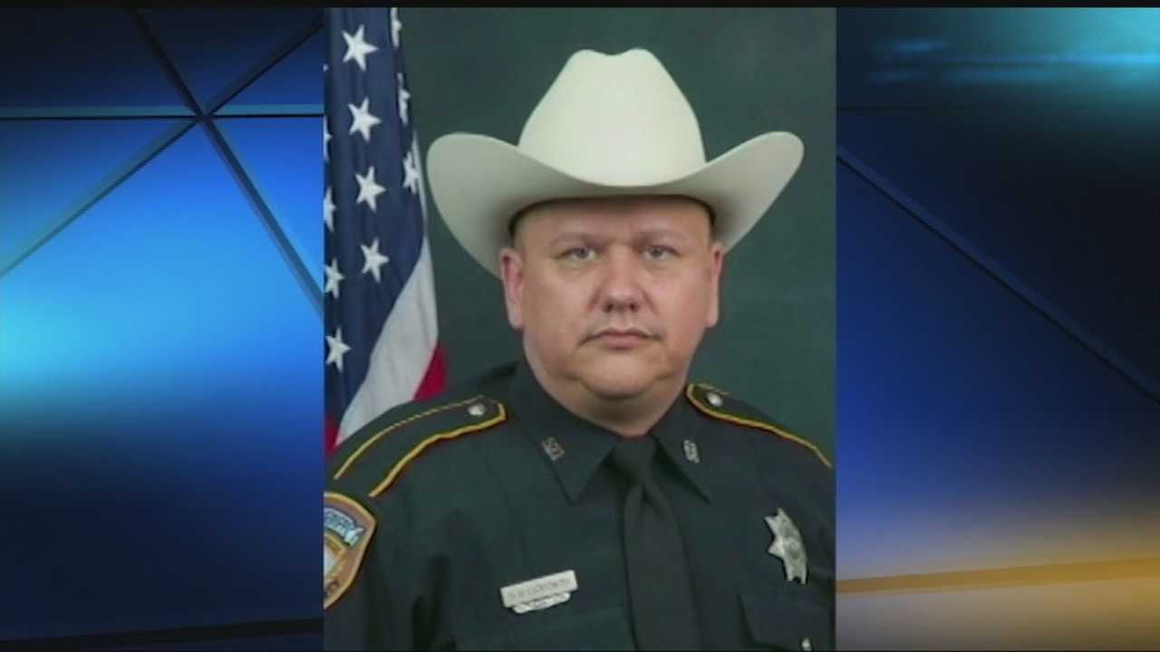 A week after a Texas deputy was gunned down while pumping gas, the Oklahoma County Sheriff's Department paid tribute to him with a moment of silence. At 11 a.m., a dispatcher asked that any deputy not on a call pull over and turn on their siren lights for one minute in honor of Darren Goforth. Deputies and OCSO staff also used #BackTheBlue to show support.
