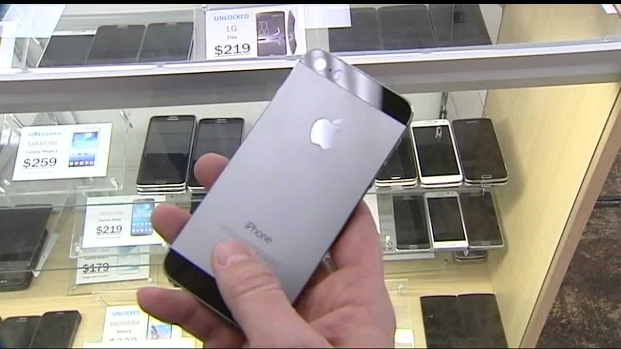 Purcell police are warning consumers purchasing cellphones from unauthorized retailers to do their homework so they don't end up with a stolen cellphone that they won't be able to use. A man walked into the AT&T store in Purcell last week and stole two new iPhone 6's, police said.