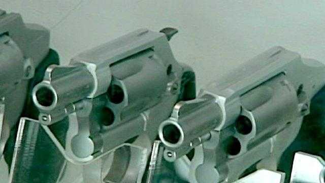 Guns (generic) - 23561532