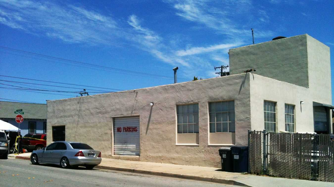 A man was found shot to death inside this building in Watsonville on Wednesday. (July 25, 2012)