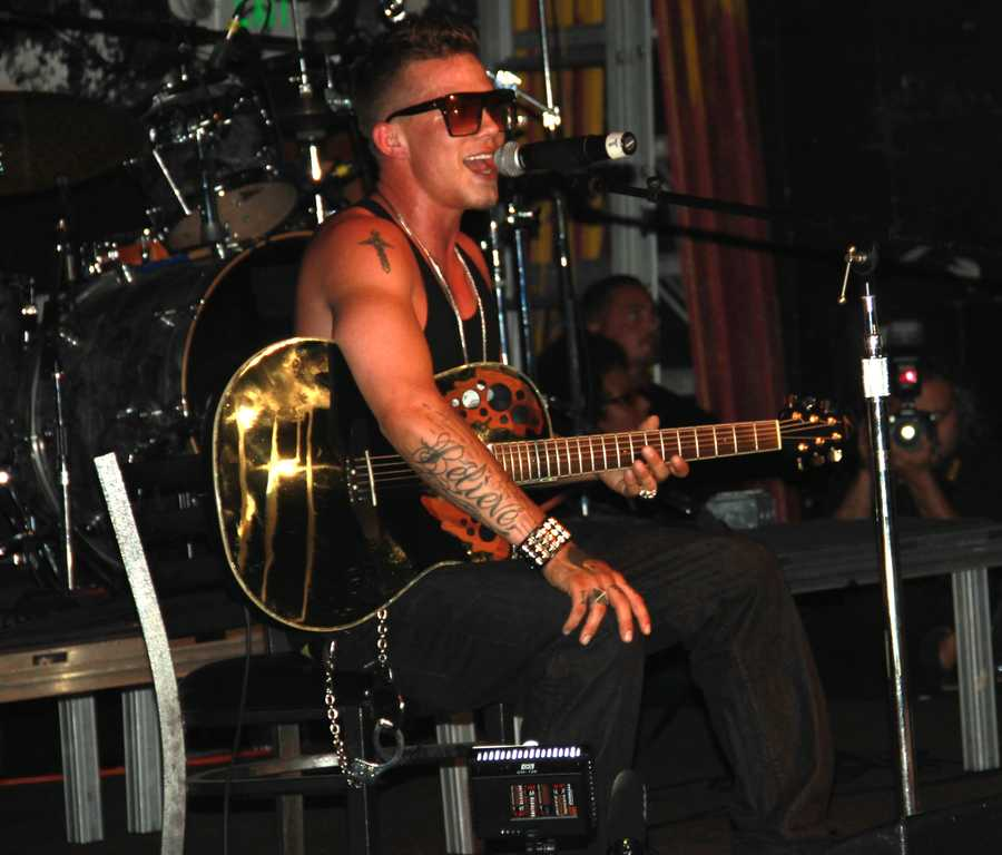Rene's emotion-packed performance blended soulful acoustic guitar songs with high-energy hip-hop beats for the hundreds of screaming fans inside the Catalyst.