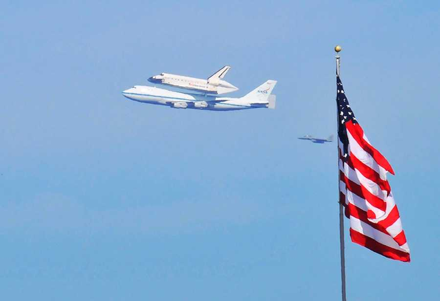 The shuttle Endeavour's final flight on Friday gave shutterbugs in Santa Cruz and Monterey the ultimate photo op.Space shuttle Endeavour flew over Santa Cruz at 10:45 a.m. and swooped over Monterey at 10:52 a.m.Mike Hernandez took this patriotic photo while it flew over Monterey.