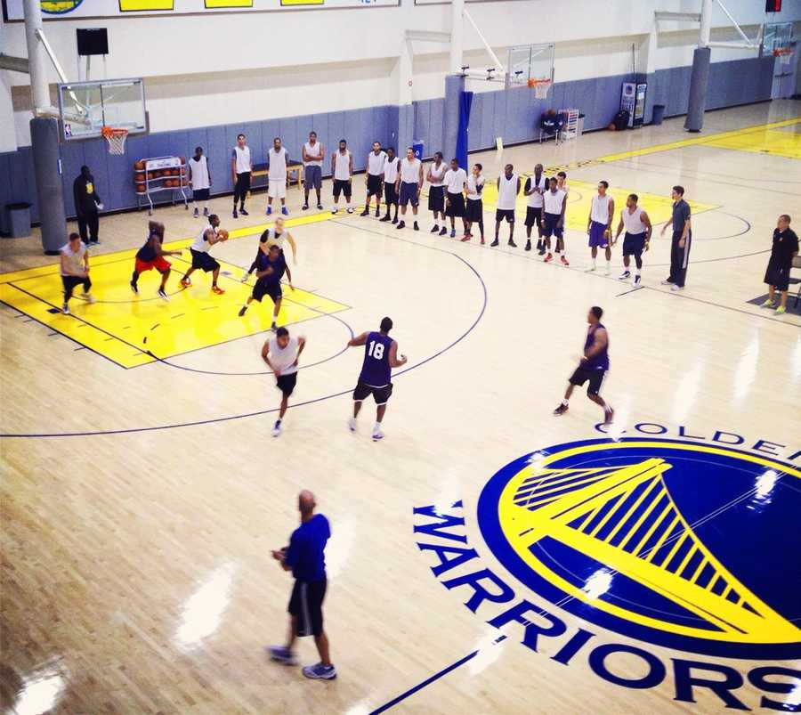 OCTOBER 14, 2012The Santa Cruz Warriors are holding open tryouts on Oct. 14 at Aptos High School in hopes of finding Central Coast athletes with serious hoop skills.This photo shows players competing at a Santa Cruz Warriors open tryout held in Oakland on Oct. 7.