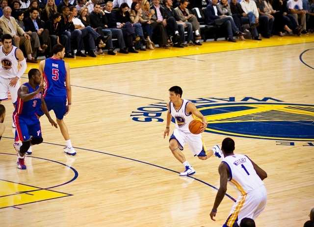 APRIL 5, 2012On April 5, Assistant City Manager Scott Collins revealed that the City of Santa Cruz was innegotiationswith theGolden State Warriors for moving their D-League team fromBismarck, North Dakota to sunny Surf City.