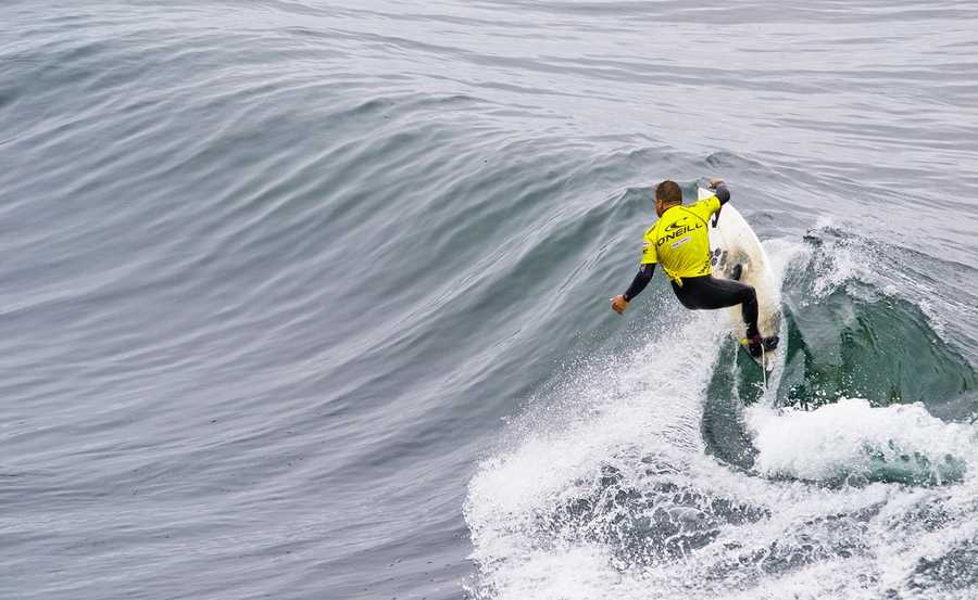 The biggest names in surfing from around the globe will be going wave-to-wave in Santa Cruz, including the current ASP Top 10: Joel Parkinson (AUS), Kelly Slater (USA), Mick Fanning (AUS), John John Florence (HAW), Taj Burrow (AUS), Adriano de Souza (BRA), Owen Wright (AUS), Josh Kerr (AUS), Gabriel Medina (BRA), and Jeremy Flores (FRA).Currently, five surfers remain mathematically in contention for the 2012 ASP World Title: Parkinson, Slater, Fanning, Florence, and Souza.