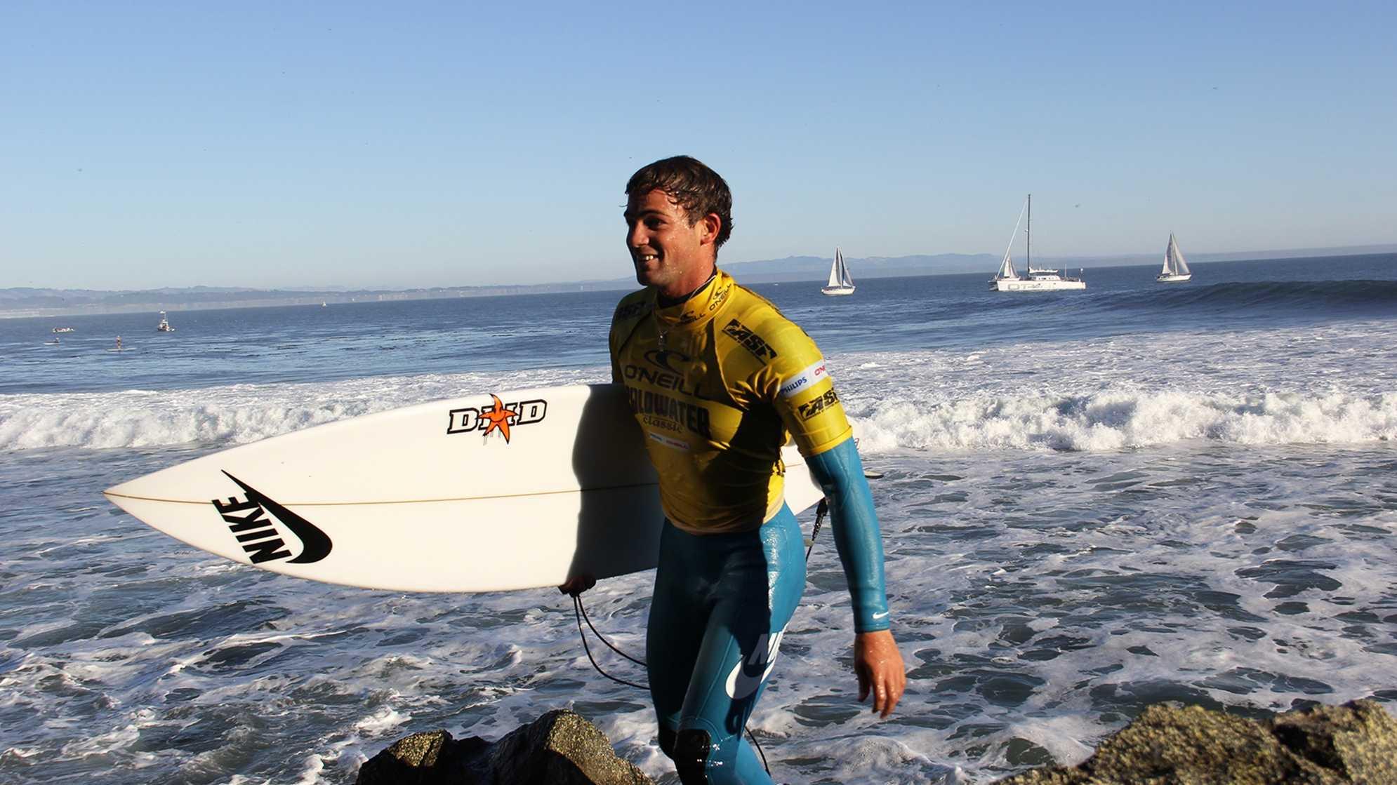 Alejo Muniz, of Brazil, was feeling good after his Round 2 heat. (Nov. 4, 2012)