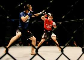 A nearly sold-out crowd packed the Santa Cruz Civic Auditorium on Nov. 10 for Santa Cruz's first mixed martial arts fight in decades.