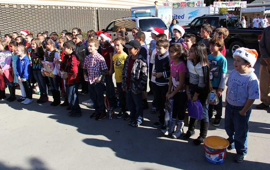 Lincoln Elementary School students sang at KSBW's Salinas television studio.