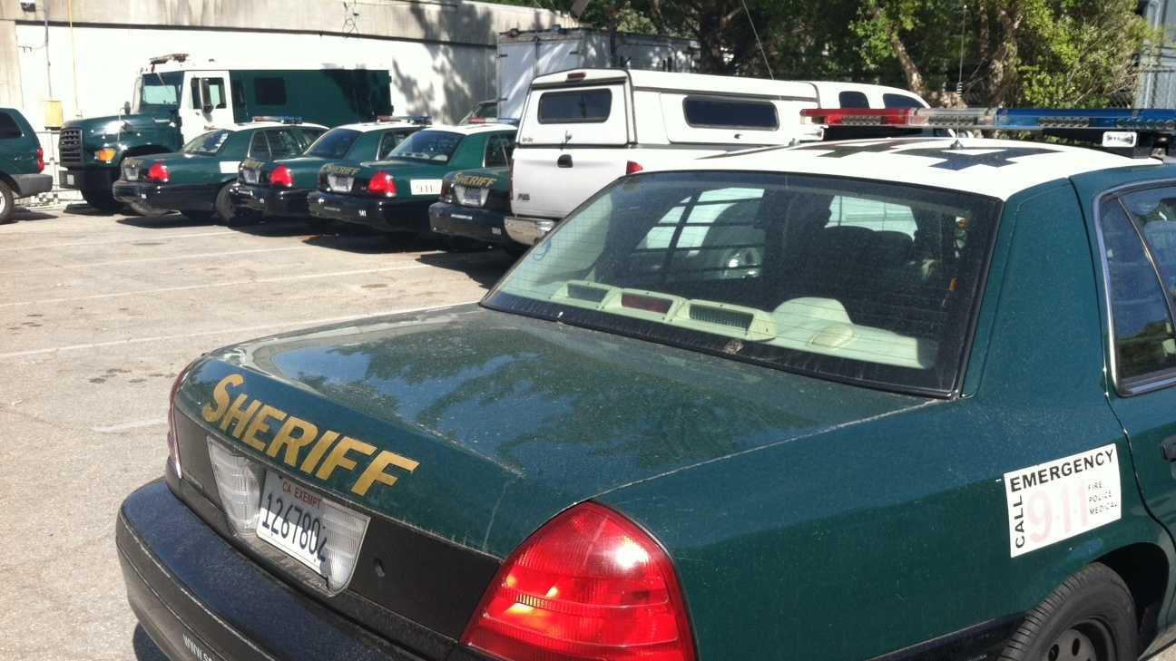 Hundreds compete to become sheriff's deputies