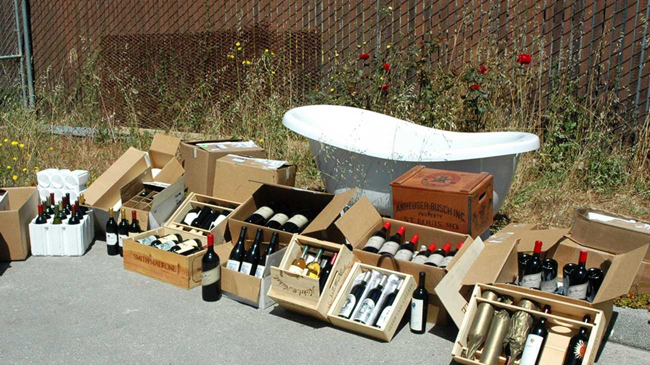 A bathtub and boxes of wine were stolen from a house in Corralitos.