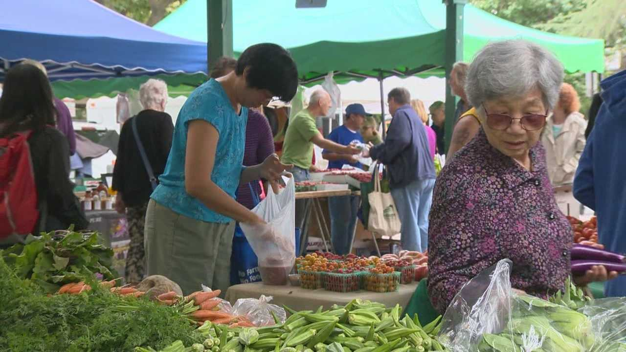 Customers flock to the Davis Farmers market in Yolo County during Farm-to-Fork week.