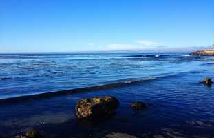 Four Mile Beach is a popular and challenging surf spot off Highway 1 about four miles north of Santa Cruz.VIDEO