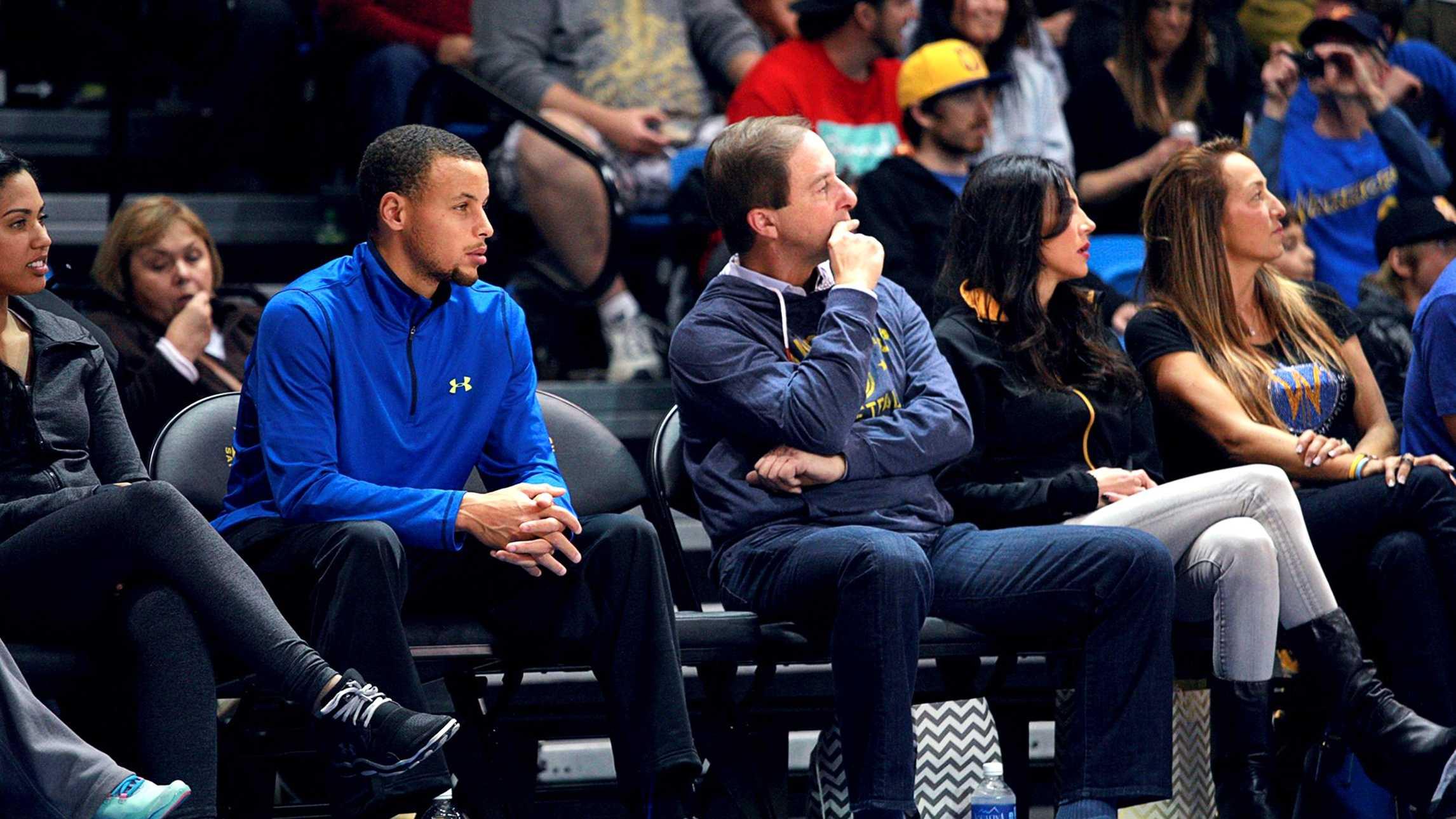 Stephen Curry cheered on his brother at the Santa Cruz Warriors' game. (Nov. 25, 2013) /Tim Cattera/ Santa Cruz Warriors