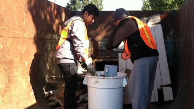 Group cleans up Acosta Plaza in Salinas