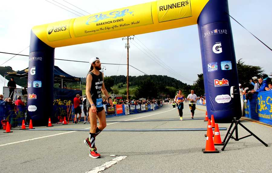 Wardiansurged ahead of the elite pack and held the lead for all 26.2 miles. He ran a steep course that stretches along a sparkling blue Pacific Ocean in02:27:45.