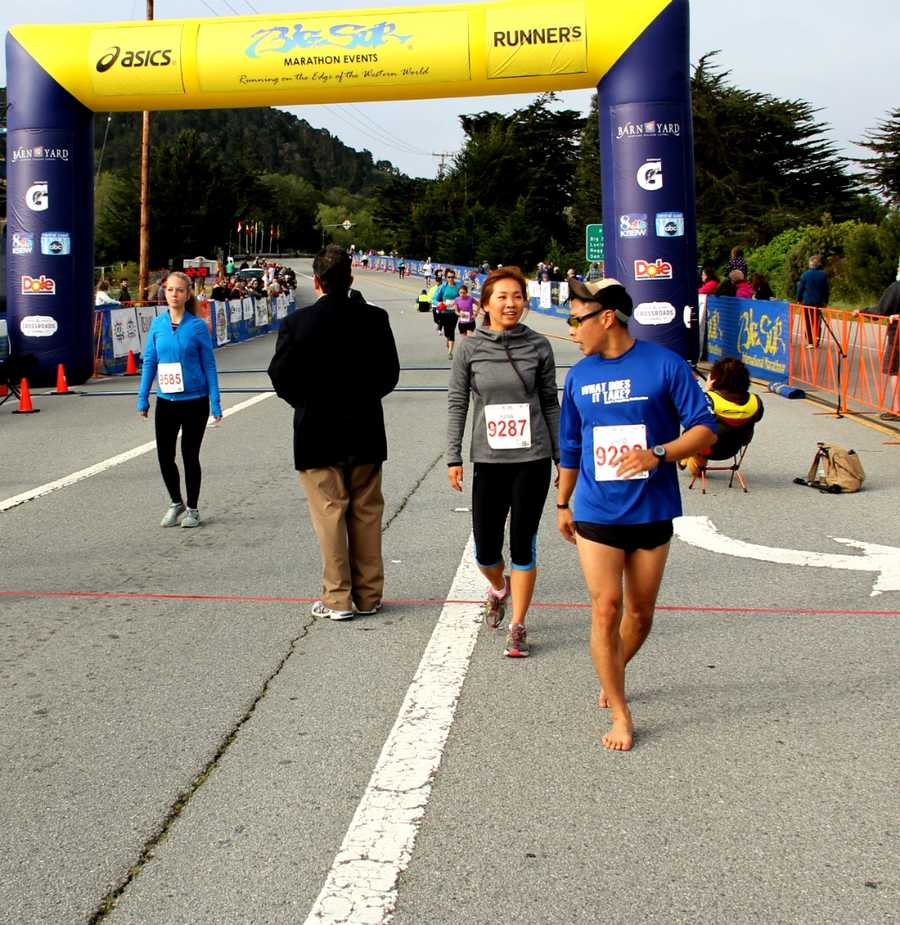 This runner ran the 5K barefoot!