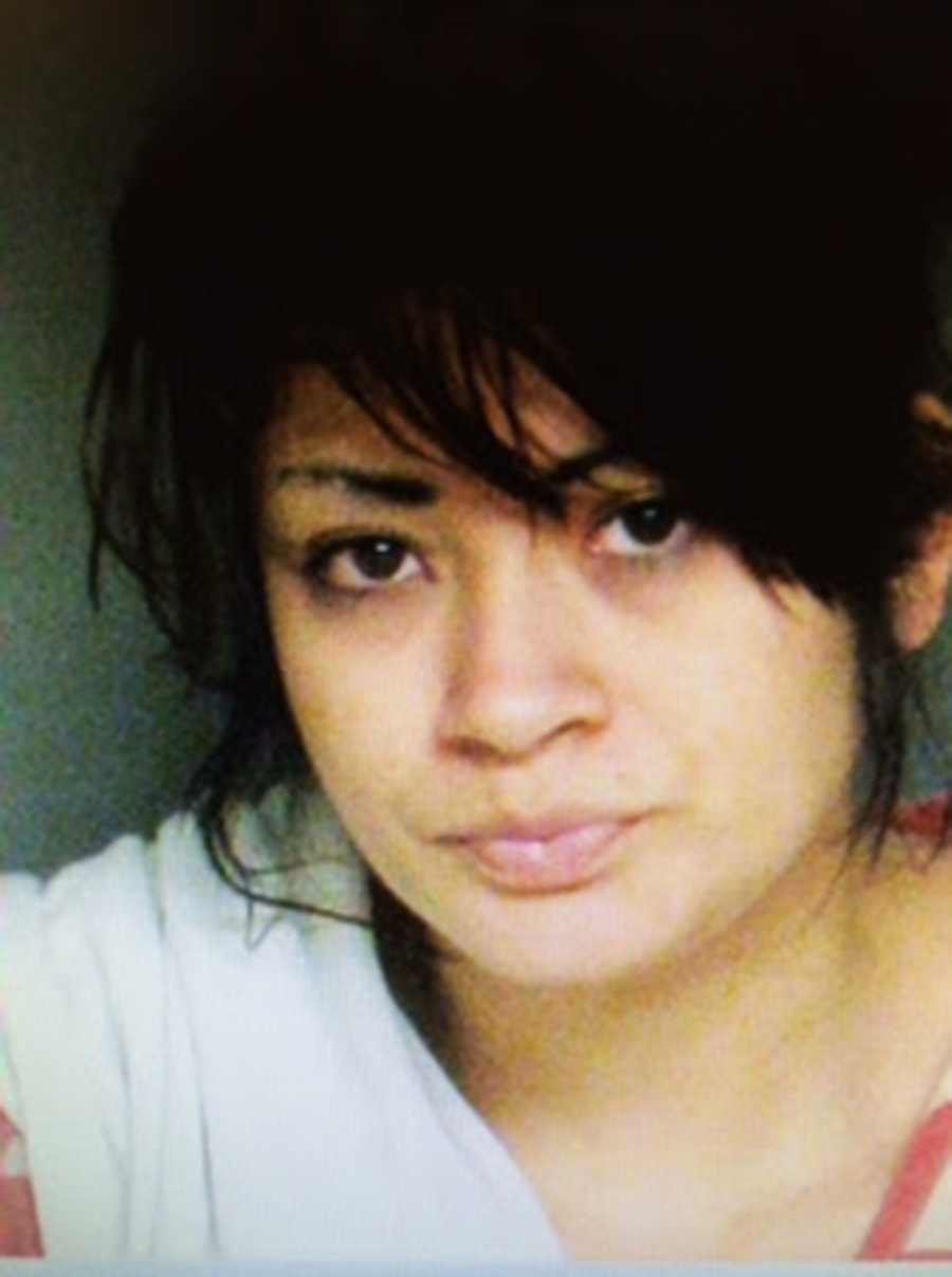 Elizabeth Flores - CHARGES: FELONY WARRANT