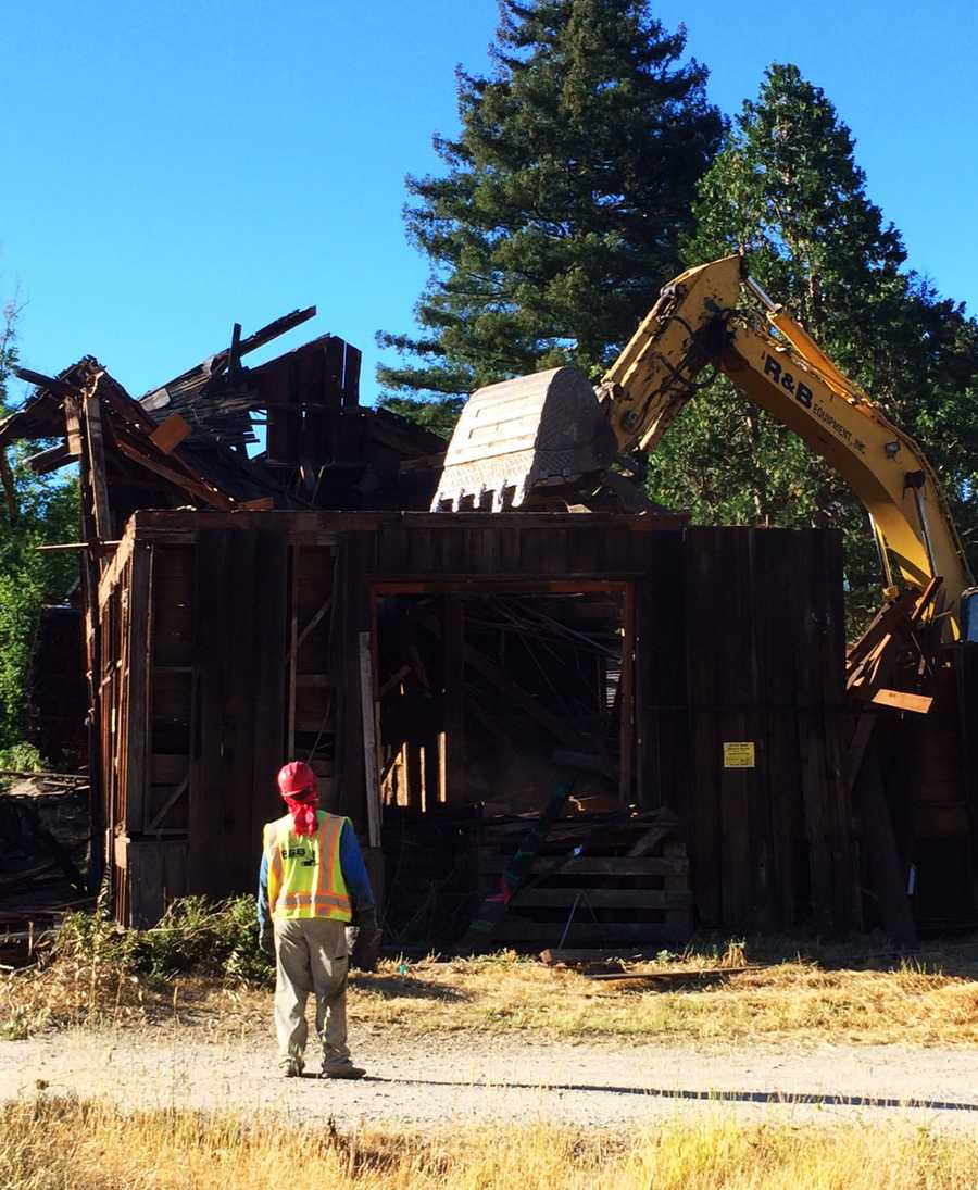 The Scotts Valley City Council made a controversial decision to allow demolition of the barn in exchange for a $1 million payment from developer Lennar Homes. Lennar Homes said the barn was in such disrepair it could not be saved. (June 27, 2014)
