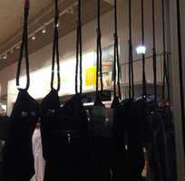 This is what Gap's window display looked like earlier this week. The ropes are looped around black jeans and knotted.