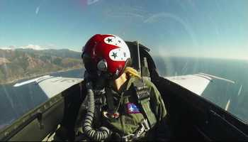Nielsen flew with the Thunderbirds from Monterey to Morro Bay.