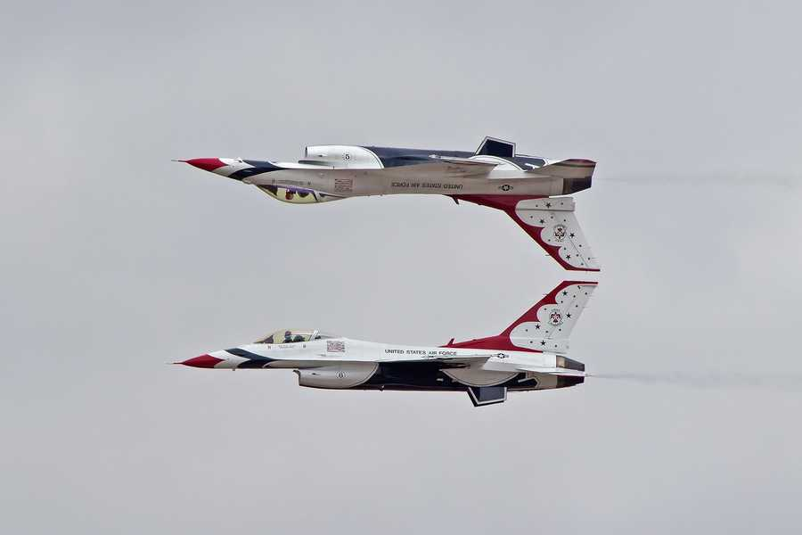 The U.S. Air Force Thunderbirds fly in amazing formations.