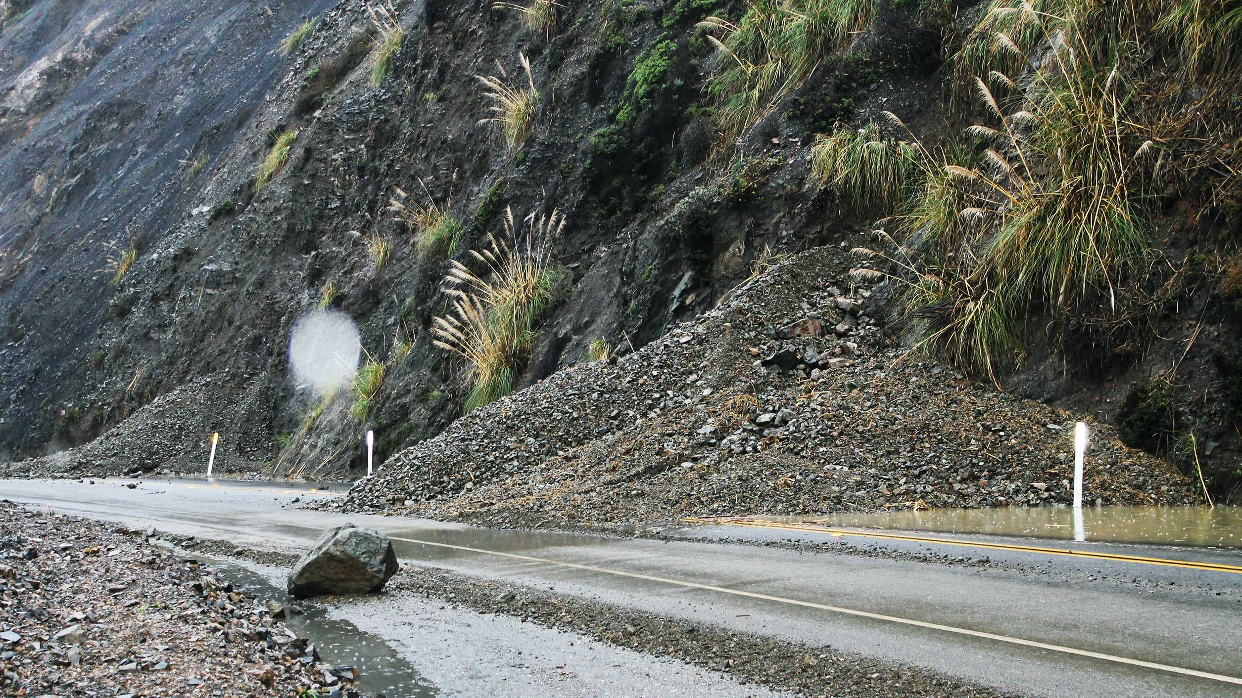 Highway 1 rock slide south of Big Sur