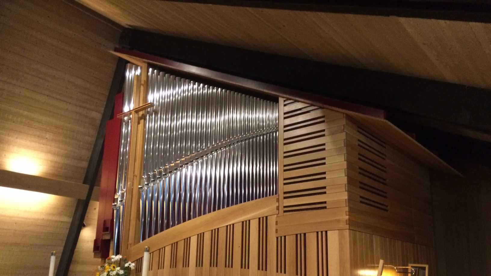 Carmel Valley church builds new pipe organ