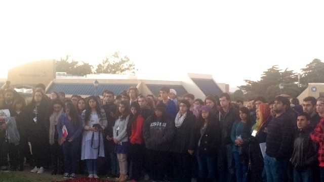 CSUMB students hold vigil for victims of Paris attacks