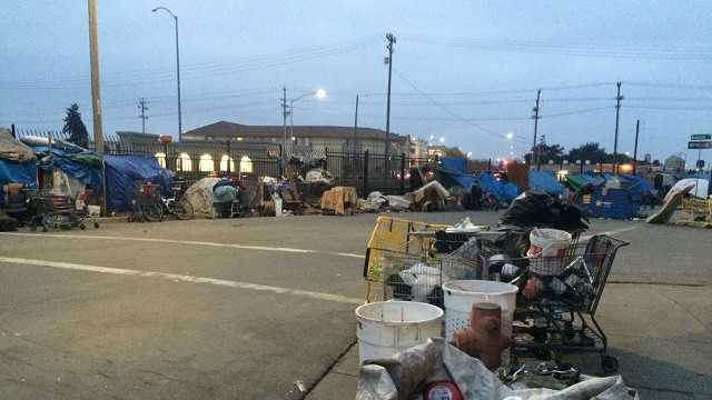 Group fights ordinance to remove homeless tents from streets