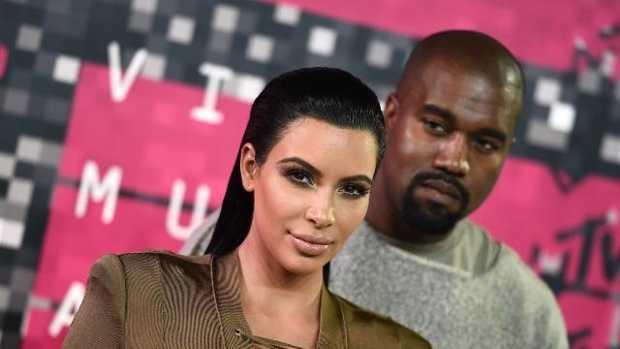 Kim-Kardashian-Kanye-West-1207-AP-jpg.jpg