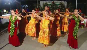 Hula dancers in Seaside