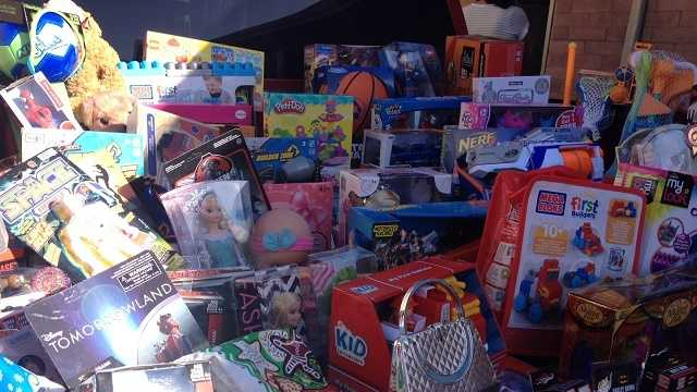 Salinas school holds car show to collect toys for those in need