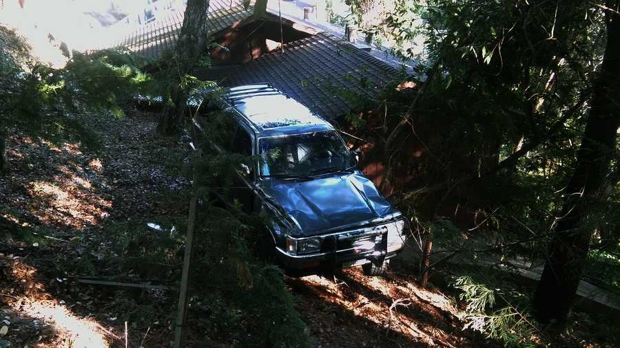 Suv Lands On Soquel Building S Roof