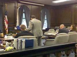 KCRA 3's Mike TeSelle offers a look at the courtroom where Steven Colver is on trial.
