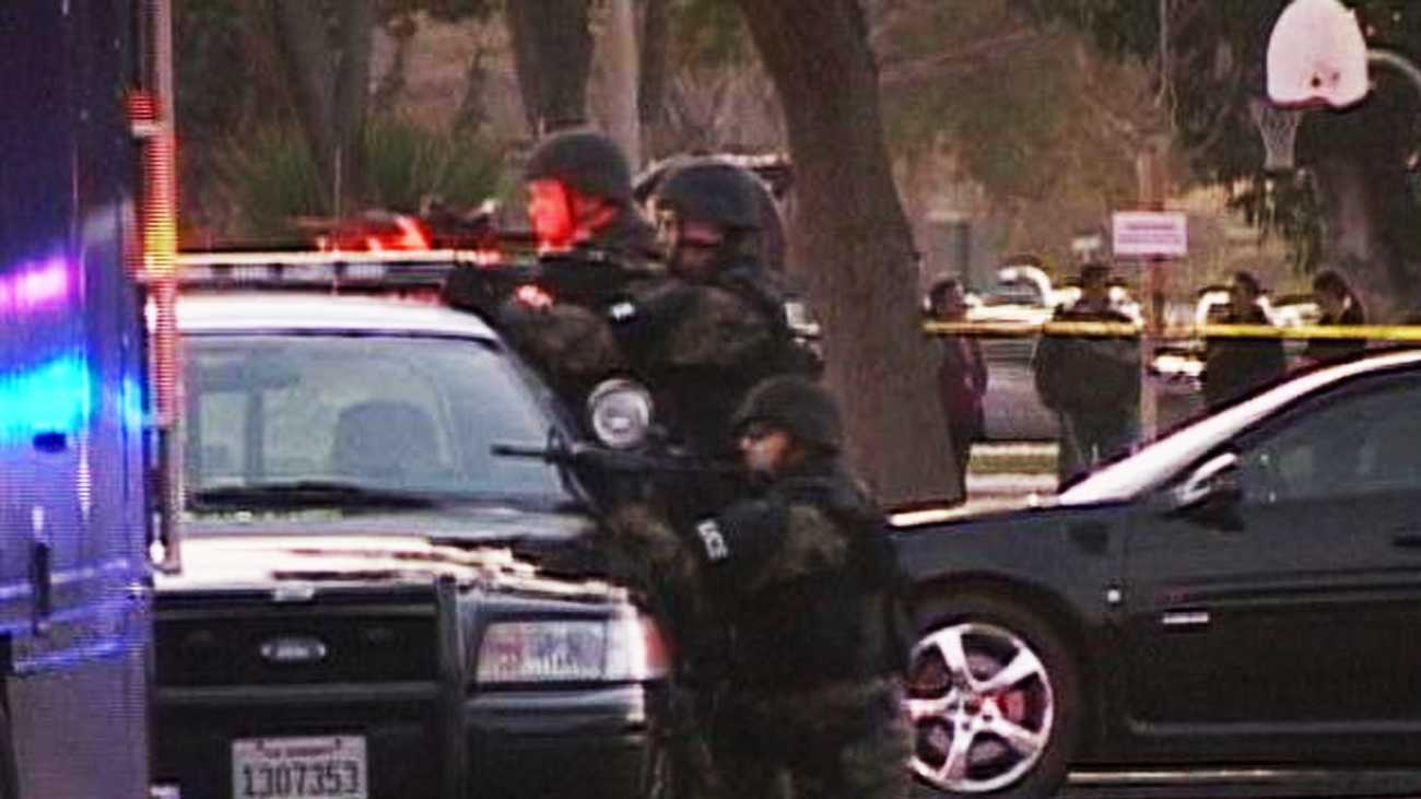 A Salinas police SWAT team arrested three armed bank robbery suspects near Hartnell College on Tuesday. (Feb. 14, 2012)