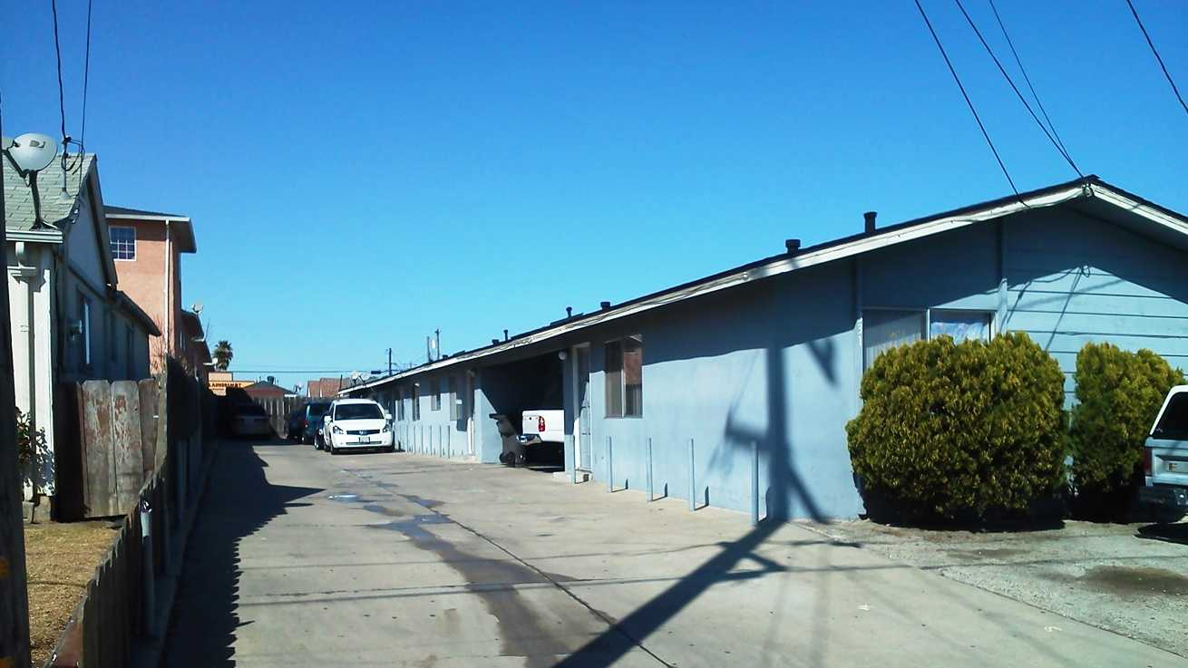 Salinas police are investigating a homicide that happened here last night. (Feb. 17, 2012)