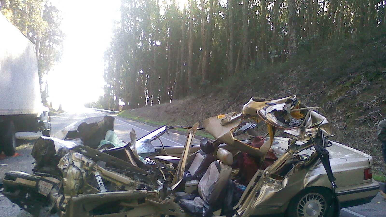 A 41-year-old Salinas man was killed Thursday morning after crashing into a truck traveling on Highway 101 south of Hollister.