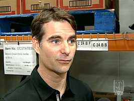 18) Jeff Gordon: $5,912,830 salary/winnings, $18,000,000 endorsements, $23,912,830 total